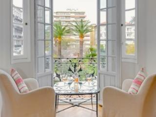 Rossini- Luxury 2 Bedroom Nice Apartment with Internet - Nice vacation rentals