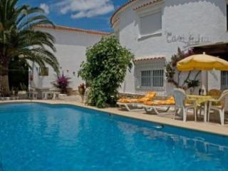 DENIA -Bungalow 90m2,  Pool 5x10m, Terrace, Sea fine Sandy Beach 200m, Parking, WIFI, Sat. TV - Gandia vacation rentals
