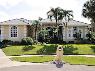 Welcome to 431 Henderson Court - Henderson - HEN431 -  4-bed, 0.2 miles from Beach! - Marco Island - rentals
