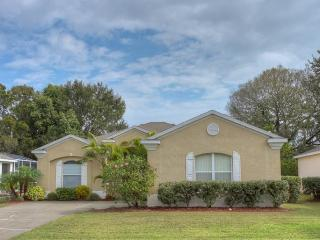 (RP01) Comfortable 4 Bedroom Pool Home with Relaxing View of Pond - Bradenton vacation rentals