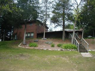 Riverside Retreat on the WI River, near WI Dells - Friendship vacation rentals