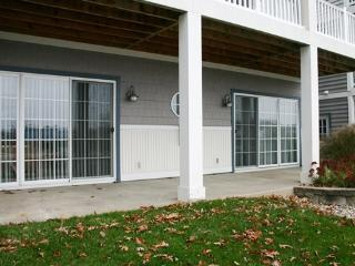 Mariners Cove #21 - River View at the Cove - Weekly stays begin on Saturdays - South Haven vacation rentals