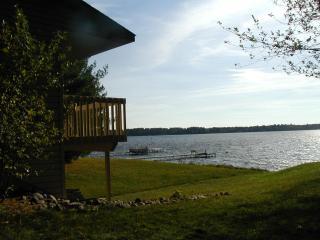 St. John's Bay on Lake Petenwell, near WI Dells - New Lisbon vacation rentals
