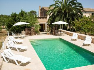 Picturesque remodeled country house Mallorca. WiFi - Sineu vacation rentals