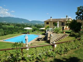 CalaSabina lovely villa with pool close to Rome - Poggio Mirteto vacation rentals