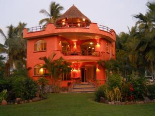 VILLA REYES, Playa Las Tortugas - ocean,pool,kayak - Platanitos vacation rentals