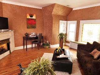 Fabulous Chicago Brownstone in Ideal Location! [3] - Chicago vacation rentals
