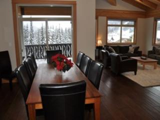 Dining Room - Kookaburra Village Center - 405 - Sun Peaks - rentals