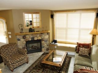 Living Room - Crystal Forest Condos - 40 - Sun Peaks - rentals