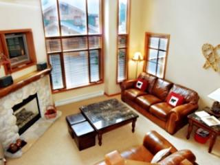 Living Room - Trail's Edge Townhouses - 03 - Sun Peaks - rentals