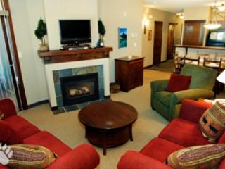 Living Room - Stone's Throw Condos - 47 - Sun Peaks - rentals