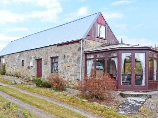 BLAIRGORM CROFT family-friendly, spectacular scenery, next to river in Nethy Bridge Ref 16417 - Aviemore vacation rentals