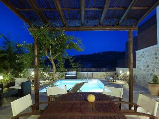 3 bedroom Villa Sgourokefali in Heraklion, Crete - Pitsidia vacation rentals