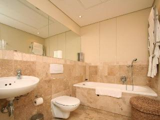APARTMENT 3 BED - ELLESMERE 001 - Durbanville vacation rentals