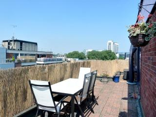 Beautiful Central W1 Penthouse Sunny Terrace Wifi - London vacation rentals