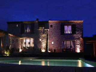 Les Terrasses, Gordes Bed and Breakfast - 3 Bedroom with WiFi and Pool - Lacoste vacation rentals