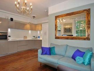 5 Eurostars for this Kings Cross one bed - London vacation rentals