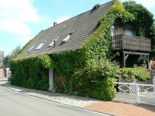 Vacation Apartment in Bruchhausen-Vilsen - 323 sqft, quiet, central, idyllic (# 3373) - Bremen vacation rentals
