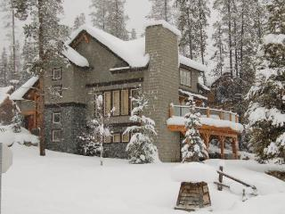 PG1810 - Private Home 4 bedrooms - Radium Hot Springs vacation rentals