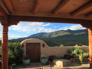 Taos Retreat - near Ski Valley & Arroyo Seco- perfect for families, couples, & solitude seekers - Taos Ski Valley vacation rentals