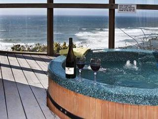 Submarine -Oceanfront w/ Hot Tub - Lincoln City vacation rentals