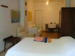 Furnished  Stúdio  Copacabana Post Three - Rio de Janeiro vacation rentals