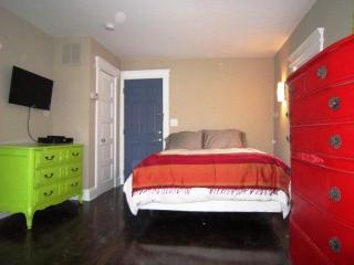 Carmen Miranda designer apartment, Asbury Park, NJ - Asbury Park vacation rentals