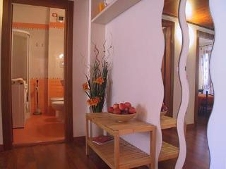 Padova Historical Centre ARANCIO Apartment - Padua vacation rentals
