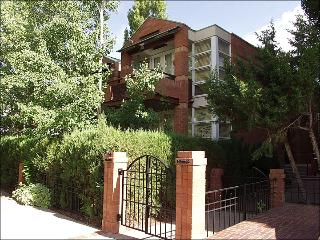 Stately Town Home - Walk to restaurants and shops (7548) - Aspen vacation rentals