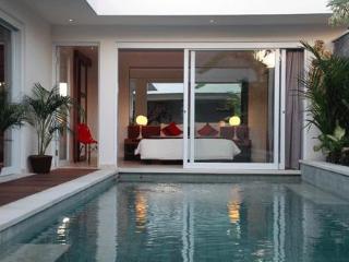 Villa Yasmee - Bali villa 2 bedrooms in Seminyak - Seminyak vacation rentals