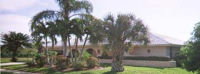 Single family pool home - Marco Island Quiet Pool Home ~ Walk to Gulf Beach - Marco Island - rentals