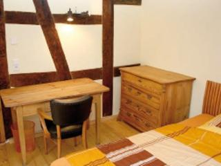 Guest Room in Egelsbach - comfortable, bright, wood furnishings (# 3403) - Egelsbach vacation rentals