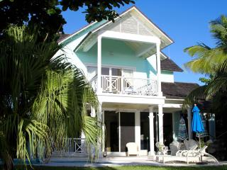 A Sea Breeze - Harbour Island vacation rentals
