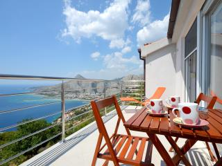 Pikolo Apartments - Blue apartment - Omis vacation rentals