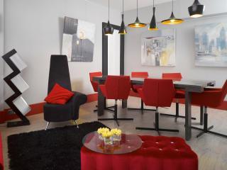 The RichMix! LUXURY BIG DESIGN MTR BEST LOCATION $ - Hong Kong vacation rentals