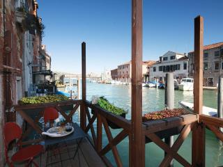 Charming Venice Three Bedroom with private terrace - Venice vacation rentals
