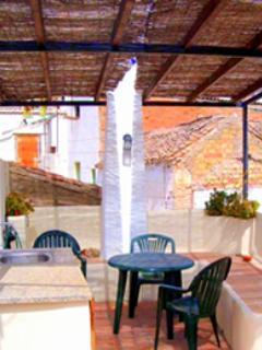 covered outside patio - CASA LA PUERTA AZUL luxurious summer retreat, WIFI - Albunuelas - rentals