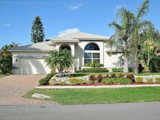 Welcome to 910 Olive Court - Olive Ct. - OLI910 - Gorgeous Waterfront Home! - Marco Island - rentals