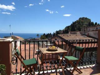 Taormina center! 1-room apartment with sea view! - Giardini Naxos vacation rentals