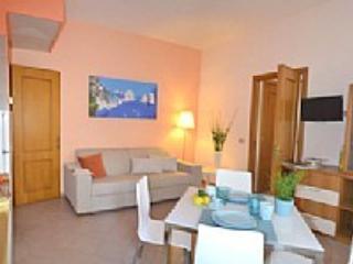 Appartamento Plinia B - Image 1 - Sorrento - rentals