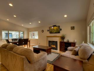 Home with private hot tub near hiking trails - Jacarillo Junction - South Lake Tahoe vacation rentals