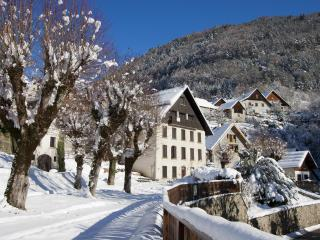 Country House near Alpe d'Huez and Bourg d'Oisans - L'Alpe-d'Huez vacation rentals