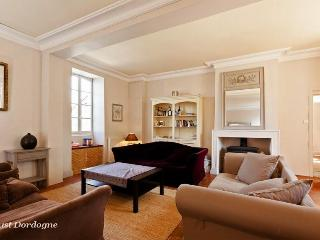 Luxury 4 bed Manor House - Ste Foy de la Grande - Saussignac vacation rentals