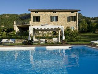 Private Villa with pool, 8 sleeps, Le Marche - Monte san Martino vacation rentals