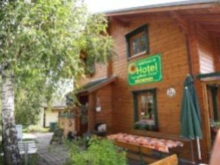 Vacation Apartment in Buehlerzell - 1292 sqft, quiet, sunny, large (# 3424) - Schwäbisch Hall vacation rentals
