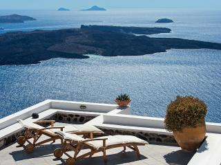 Coco & Belle - Charming villa with amazing view - Santorini vacation rentals