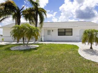 Chaves - 4 sleeps near beach und golf course - Port Charlotte vacation rentals