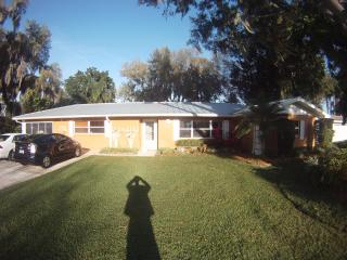5-room Family Home on Beautiful Lake in Central FL - Lake Placid vacation rentals