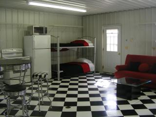The Hot Rod Hut - Lazy River At Granville - Frazeysburg vacation rentals