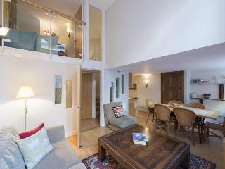 The Old School - London vacation rentals